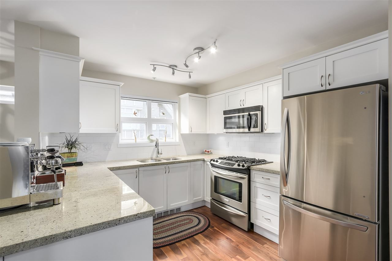 Townhouse at 202 1676 E PENDER STREET, Unit 202, Vancouver East, British Columbia. Image 3