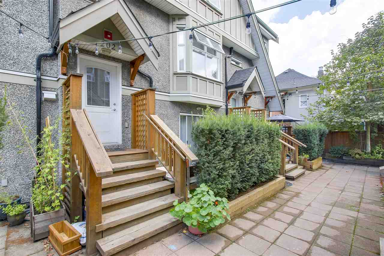 Townhouse at 202 1676 E PENDER STREET, Unit 202, Vancouver East, British Columbia. Image 16