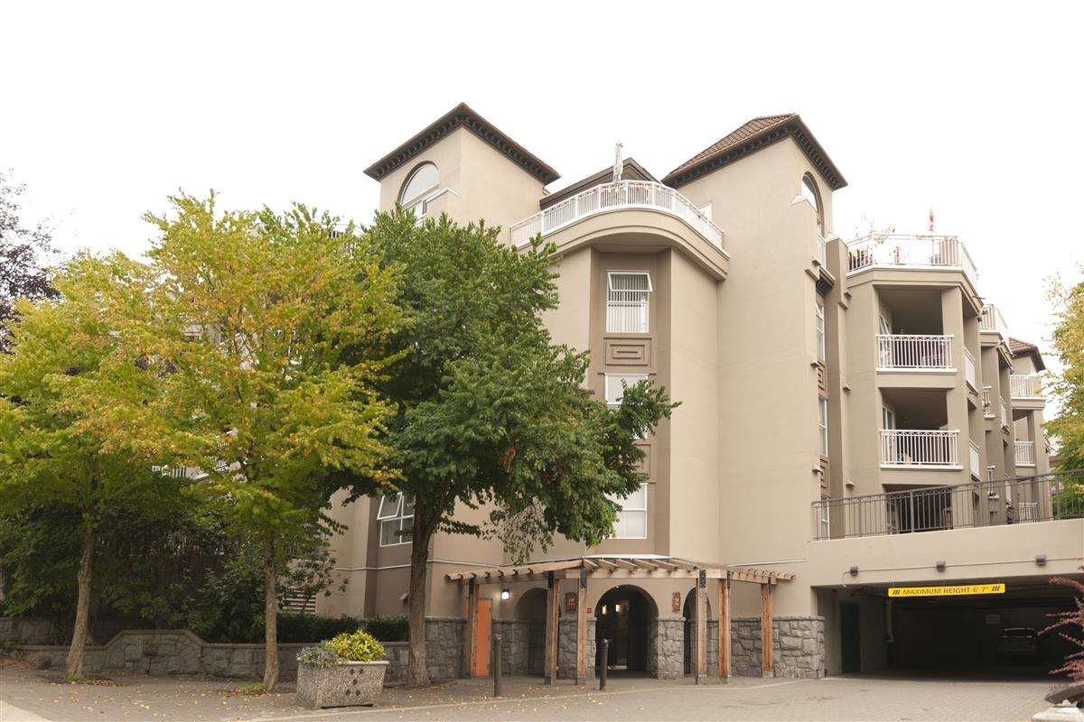 Condo Apartment at 107 519 TWELFTH STREET, Unit 107, New Westminster, British Columbia. Image 1