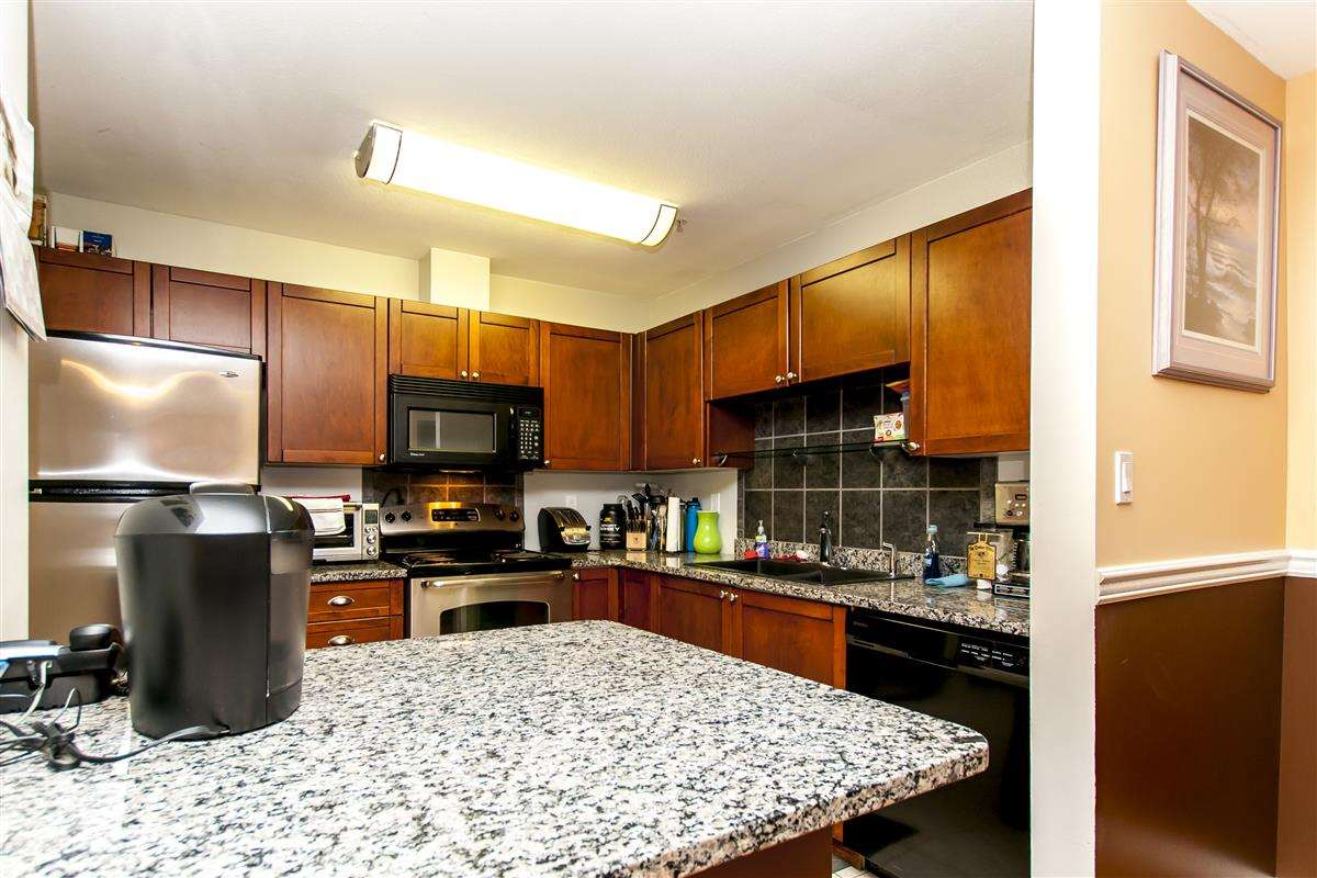 Condo Apartment at 107 519 TWELFTH STREET, Unit 107, New Westminster, British Columbia. Image 4