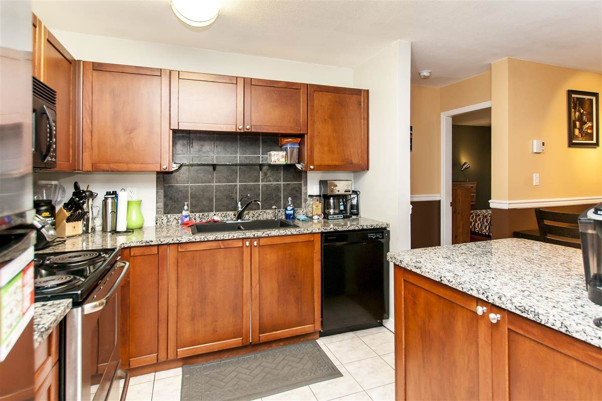 Condo Apartment at 107 519 TWELFTH STREET, Unit 107, New Westminster, British Columbia. Image 5