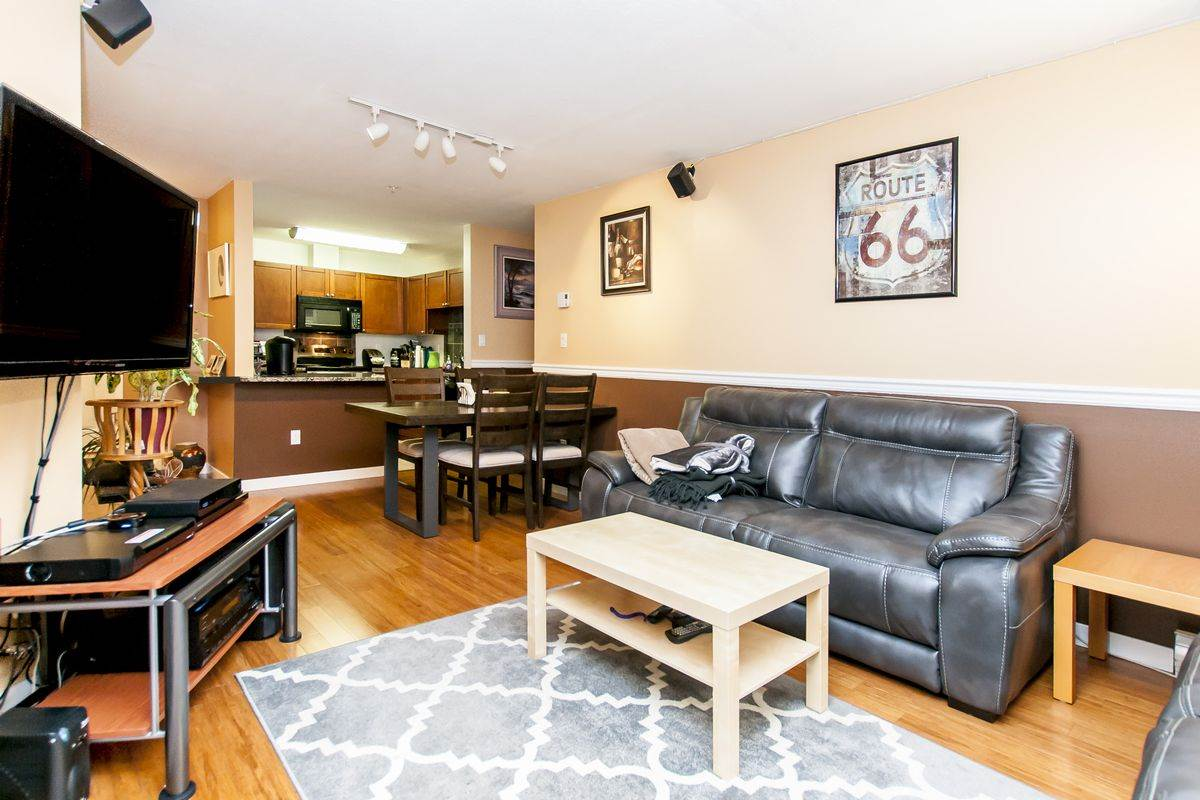 Condo Apartment at 107 519 TWELFTH STREET, Unit 107, New Westminster, British Columbia. Image 14