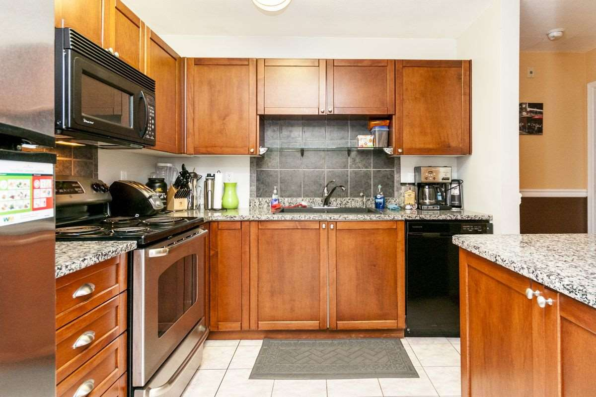 Condo Apartment at 107 519 TWELFTH STREET, Unit 107, New Westminster, British Columbia. Image 15
