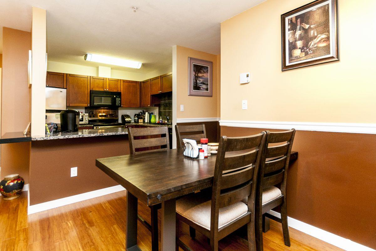 Condo Apartment at 107 519 TWELFTH STREET, Unit 107, New Westminster, British Columbia. Image 16