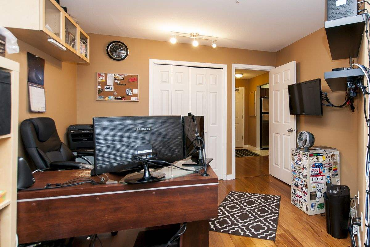 Condo Apartment at 107 519 TWELFTH STREET, Unit 107, New Westminster, British Columbia. Image 17