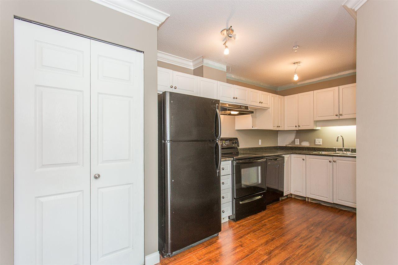 Condo Apartment at 206 33668 KING ROAD, Unit 206, Abbotsford, British Columbia. Image 4