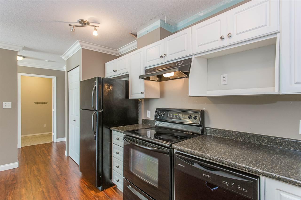 Condo Apartment at 206 33668 KING ROAD, Unit 206, Abbotsford, British Columbia. Image 5
