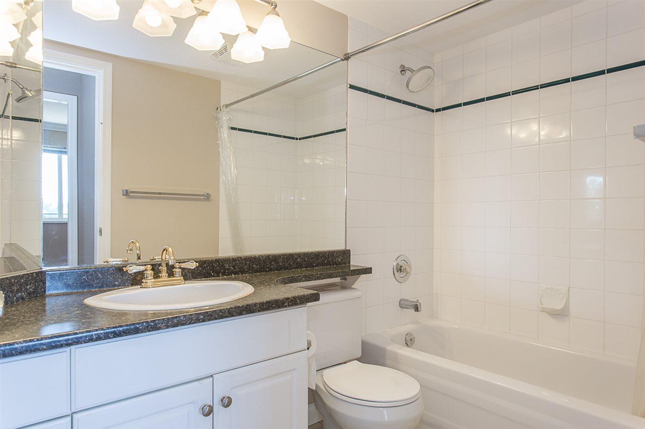 Condo Apartment at 206 33668 KING ROAD, Unit 206, Abbotsford, British Columbia. Image 17