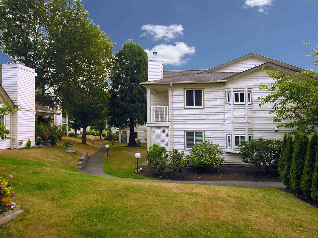 Townhouse at 4 12916 17 AVENUE, Unit 4, South Surrey White Rock, British Columbia. Image 1