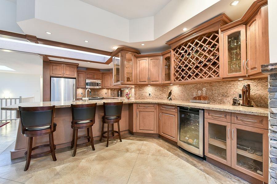 Condo Apartment at 41 3960 CANADA WAY, Unit 41, Burnaby South, British Columbia. Image 2