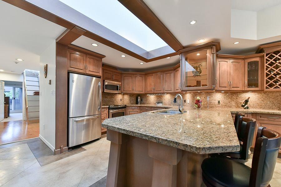 Condo Apartment at 41 3960 CANADA WAY, Unit 41, Burnaby South, British Columbia. Image 3
