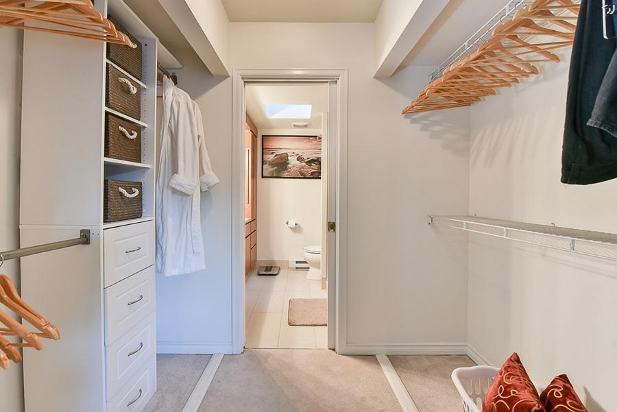 Condo Apartment at 41 3960 CANADA WAY, Unit 41, Burnaby South, British Columbia. Image 12