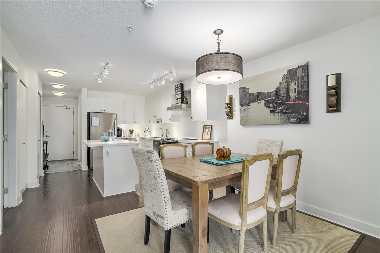 Condo Apartment at 305 500 ROYAL AVENUE, Unit 305, New Westminster, British Columbia. Image 1
