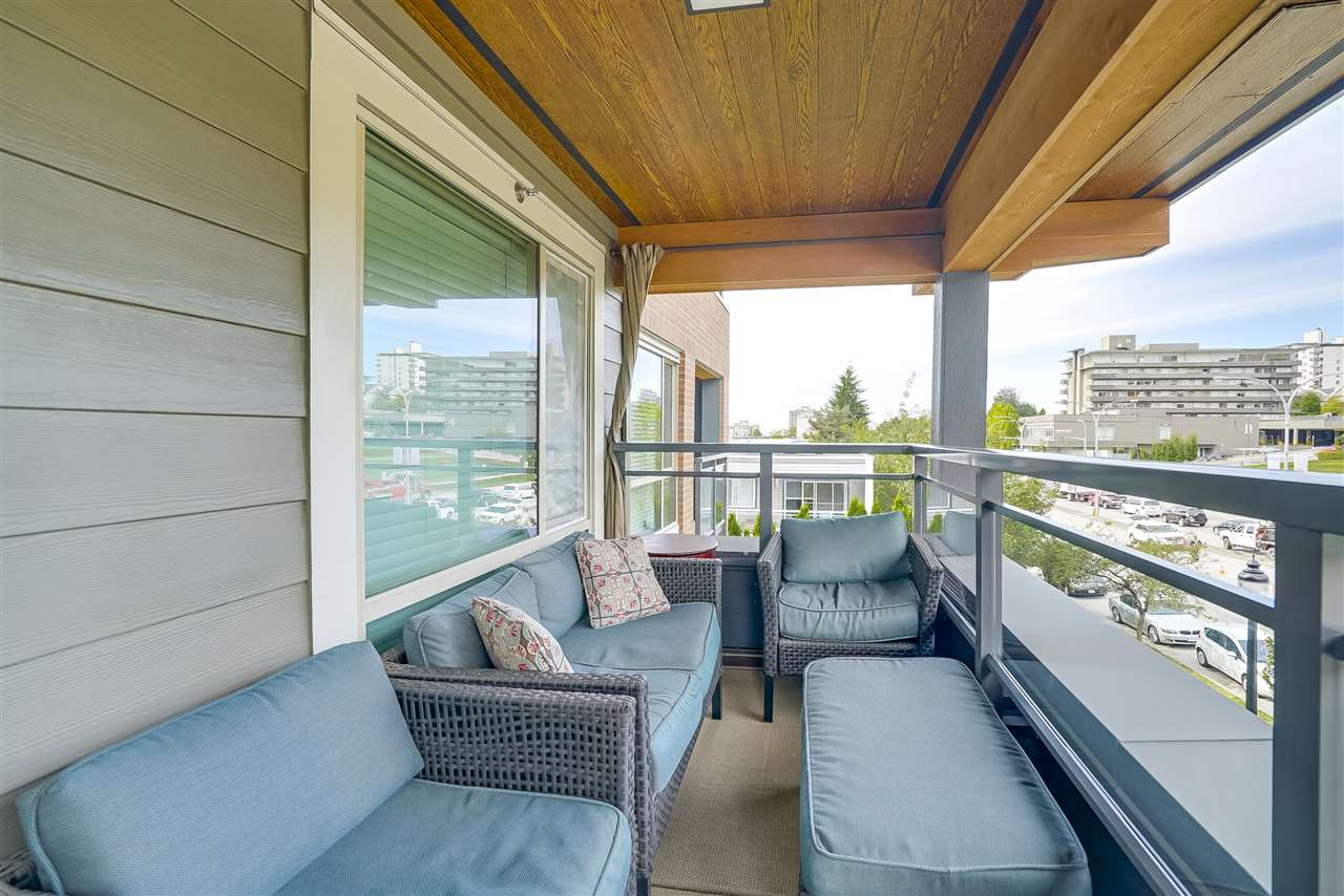 Condo Apartment at 305 500 ROYAL AVENUE, Unit 305, New Westminster, British Columbia. Image 6