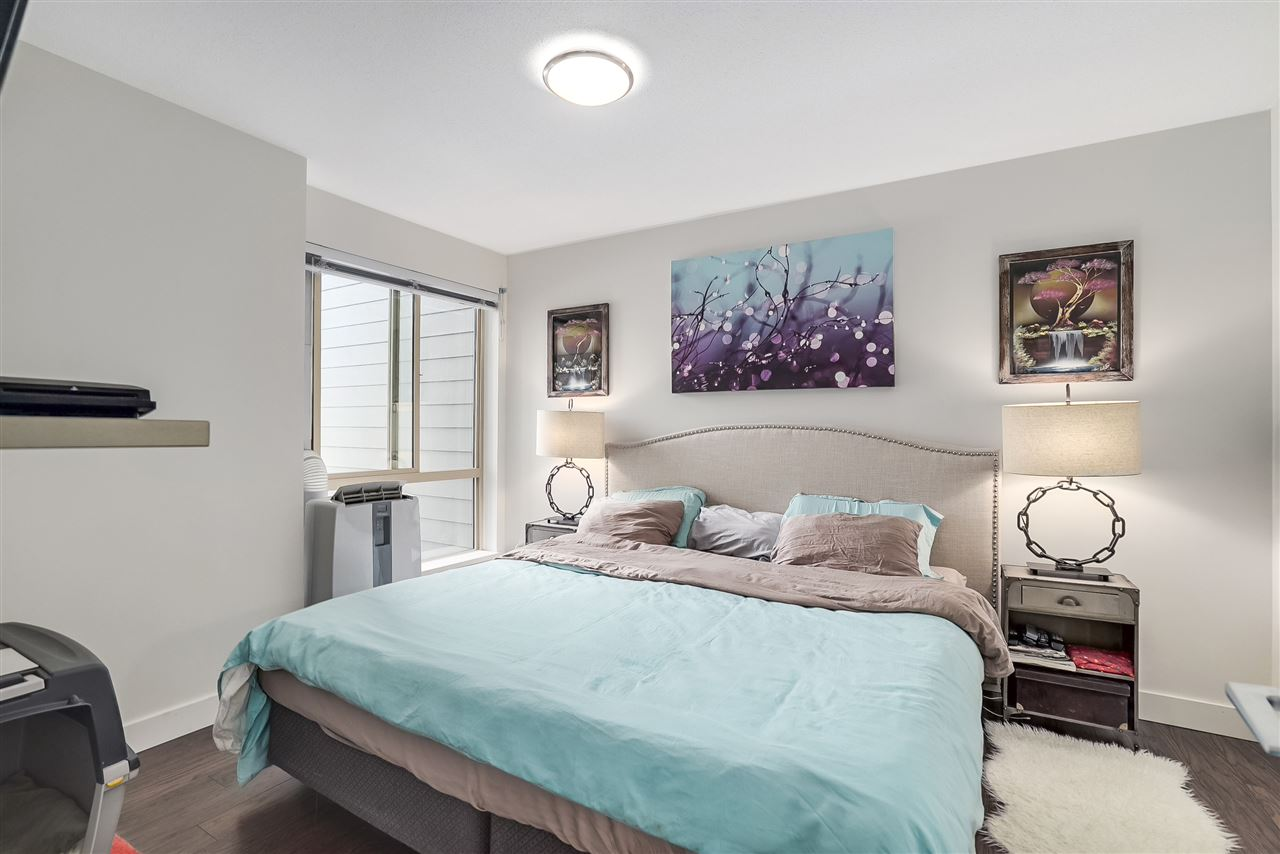Condo Apartment at 305 500 ROYAL AVENUE, Unit 305, New Westminster, British Columbia. Image 7