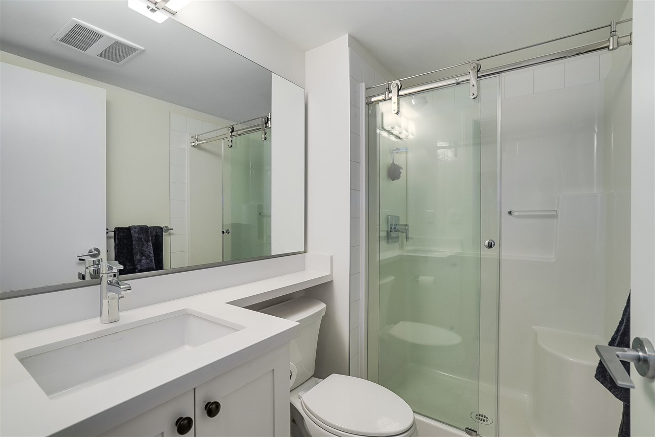 Condo Apartment at 305 500 ROYAL AVENUE, Unit 305, New Westminster, British Columbia. Image 10