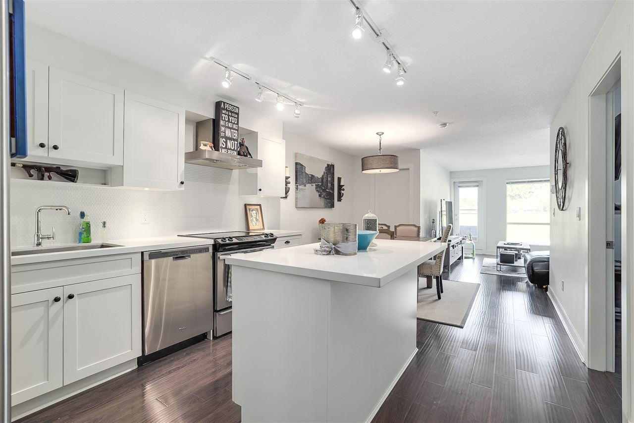 Condo Apartment at 305 500 ROYAL AVENUE, Unit 305, New Westminster, British Columbia. Image 12