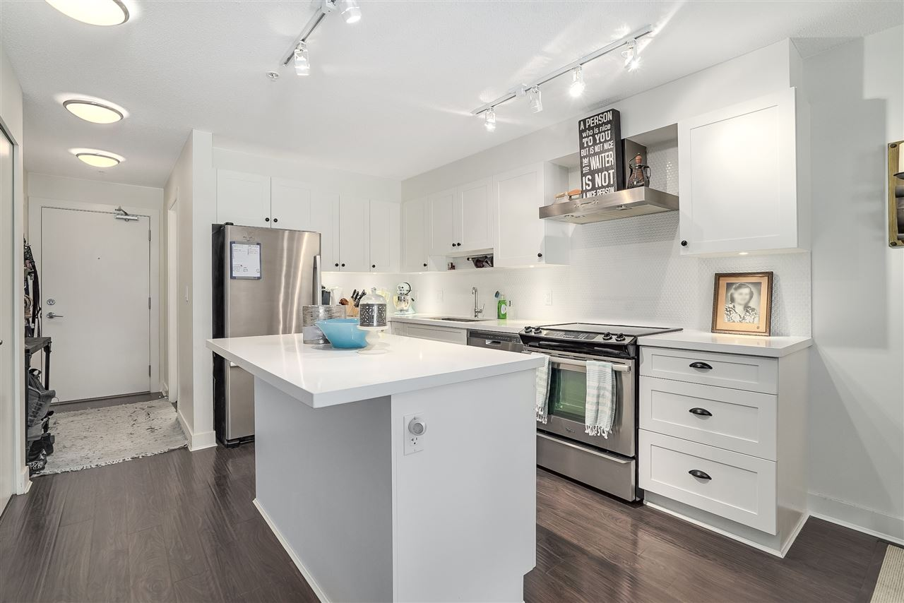 Condo Apartment at 305 500 ROYAL AVENUE, Unit 305, New Westminster, British Columbia. Image 13