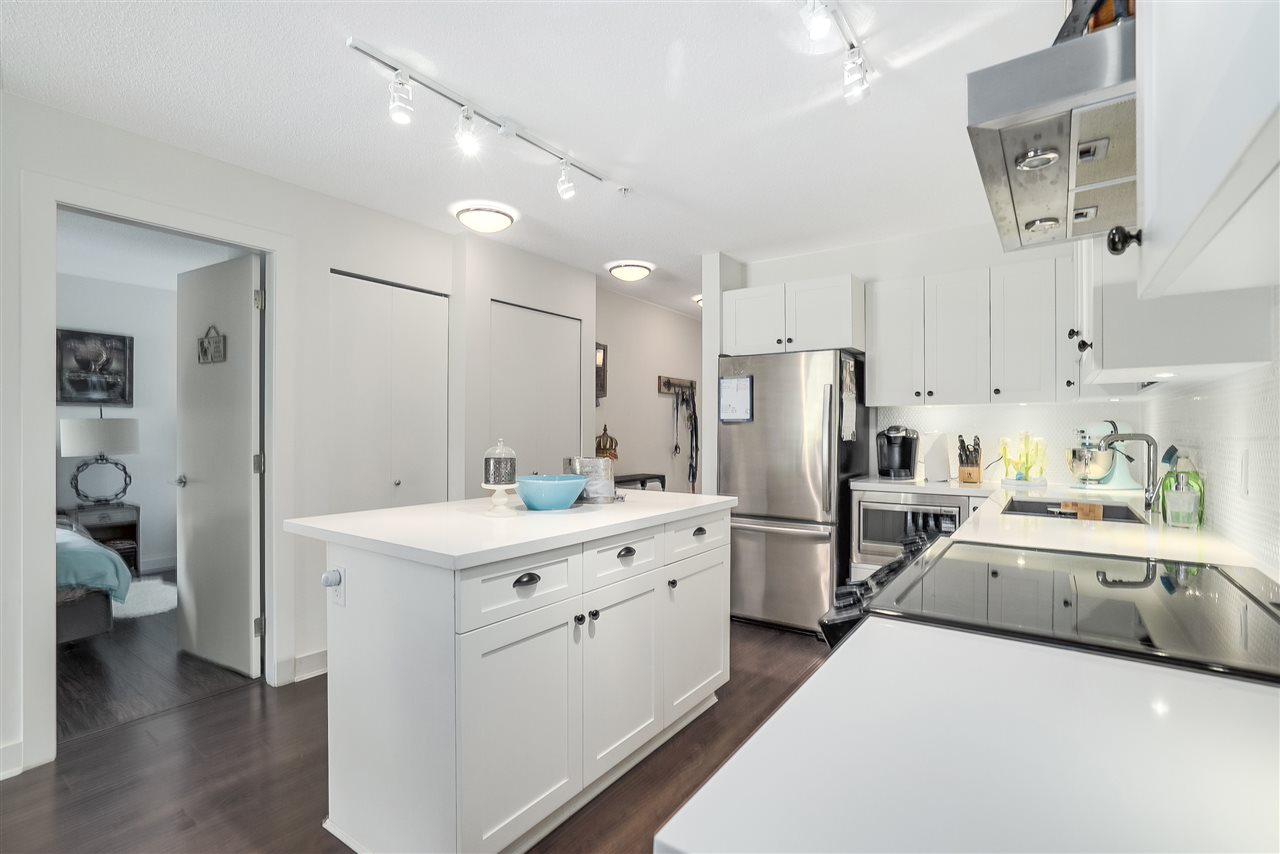 Condo Apartment at 305 500 ROYAL AVENUE, Unit 305, New Westminster, British Columbia. Image 14
