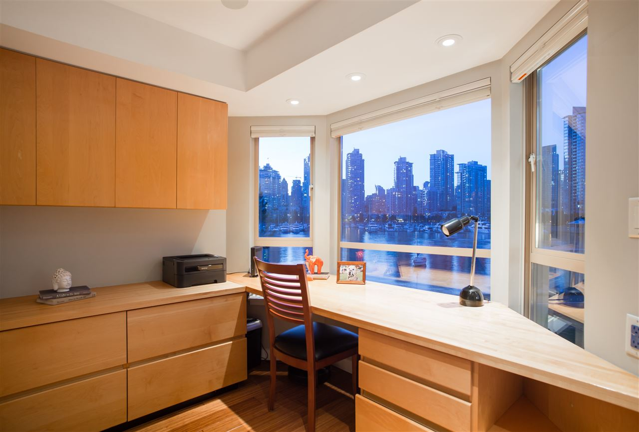 Condo Apartment at 307 1859 SPYGLASS PLACE, Unit 307, Vancouver West, British Columbia. Image 3
