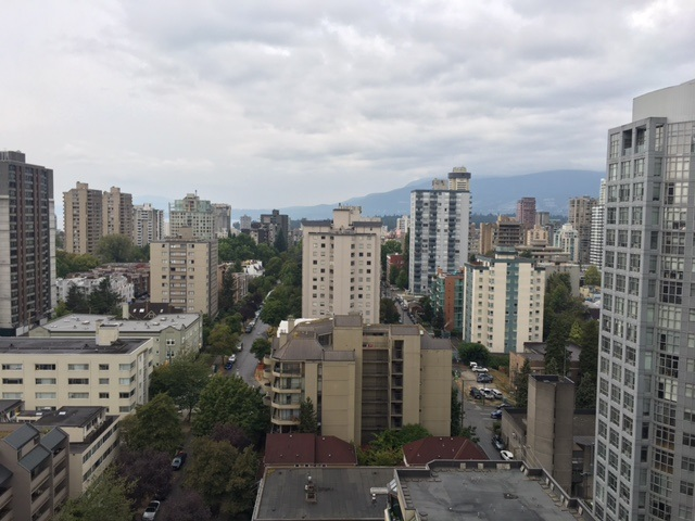 Condo Apartment at 1904 909 BURRARD STREET, Unit 1904, Vancouver West, British Columbia. Image 4