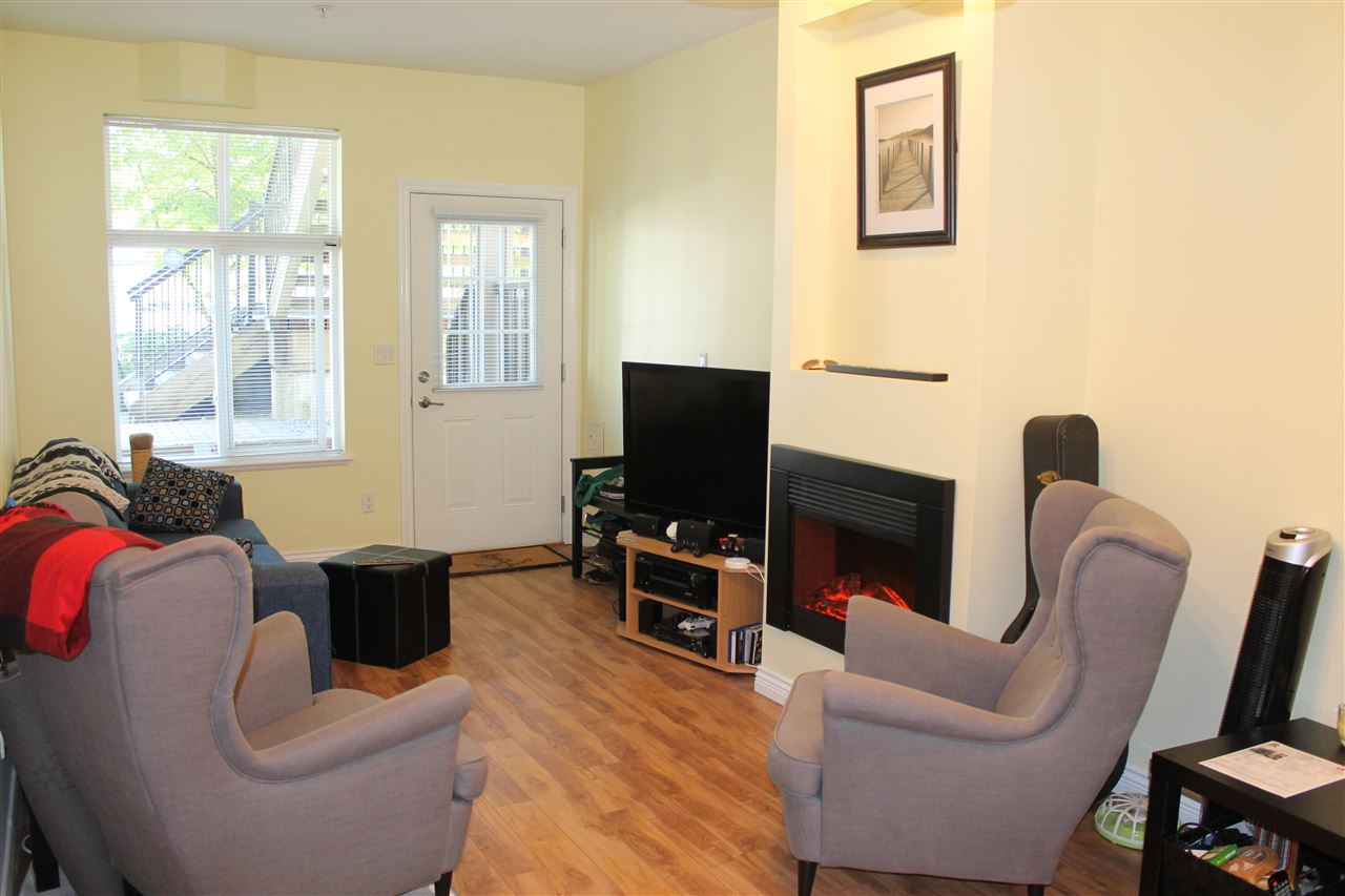 Townhouse at 122 7333 16TH AVENUE, Unit 122, Burnaby East, British Columbia. Image 8