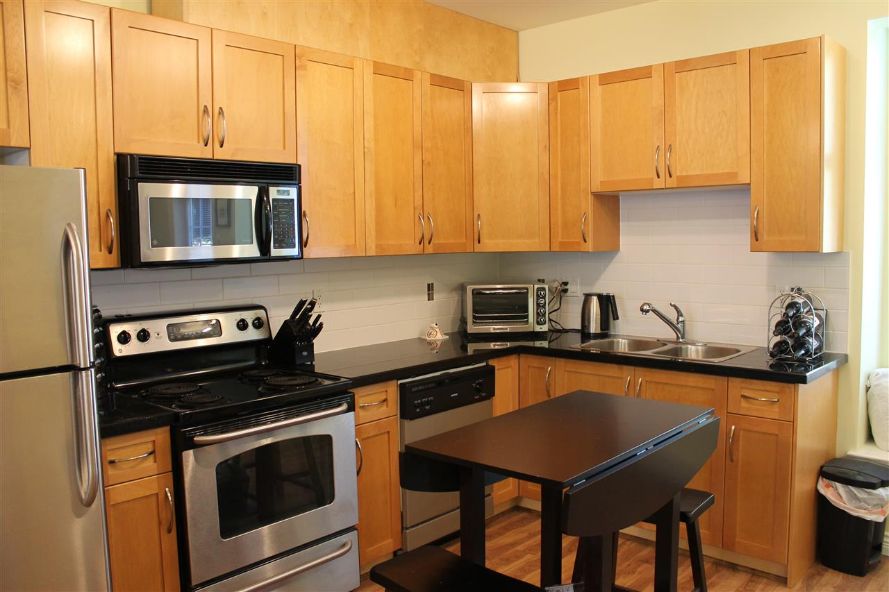 Townhouse at 122 7333 16TH AVENUE, Unit 122, Burnaby East, British Columbia. Image 10