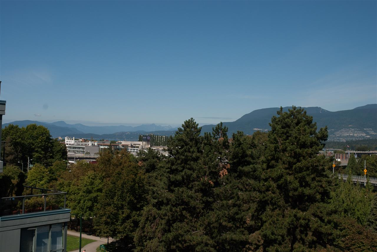 Condo Apartment at 604 1425 W 6TH AVENUE, Unit 604, Vancouver West, British Columbia. Image 1