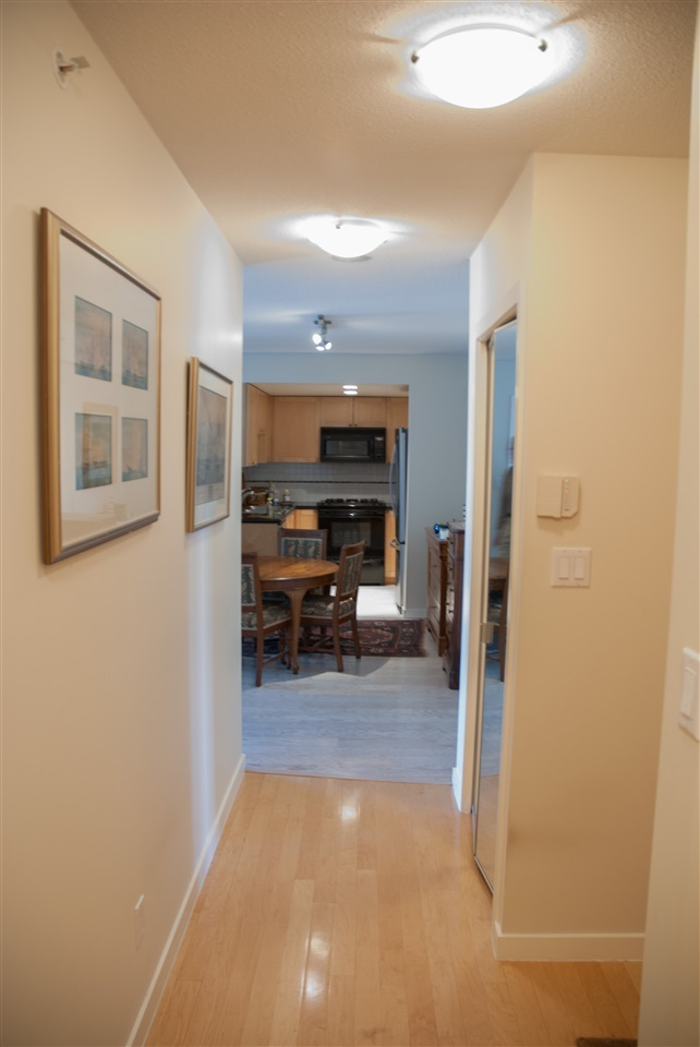 Condo Apartment at 604 1425 W 6TH AVENUE, Unit 604, Vancouver West, British Columbia. Image 3