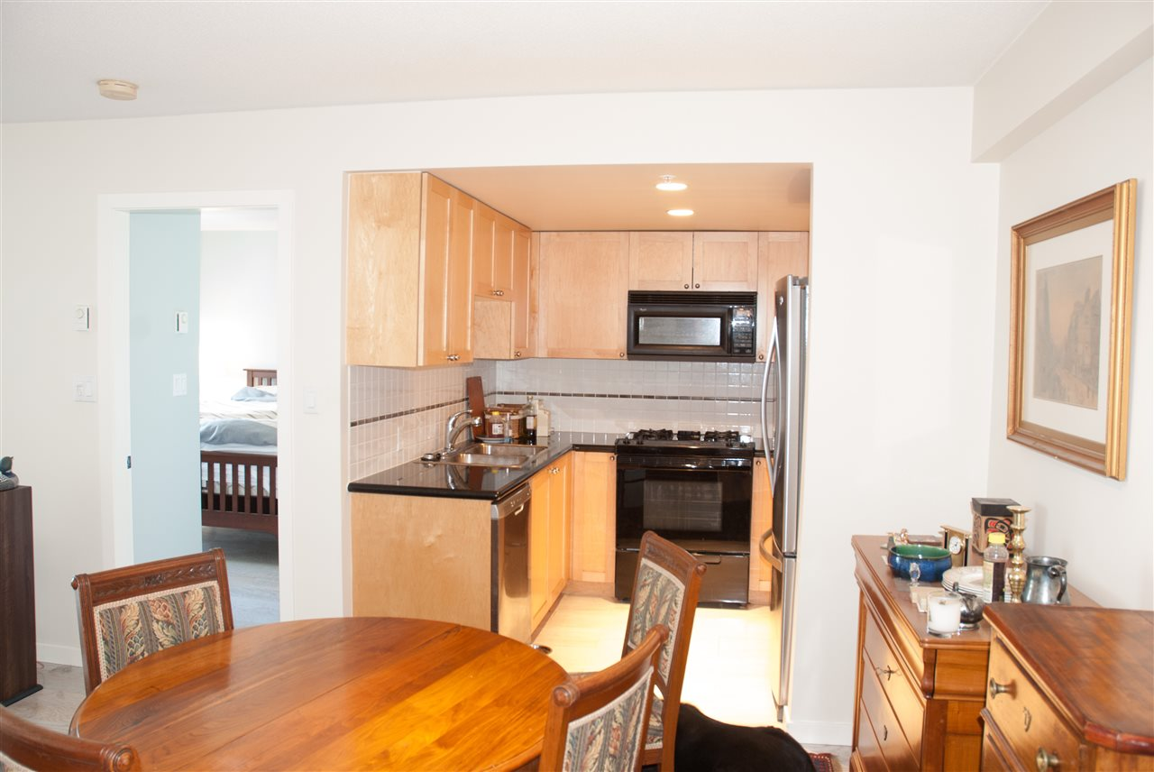 Condo Apartment at 604 1425 W 6TH AVENUE, Unit 604, Vancouver West, British Columbia. Image 4