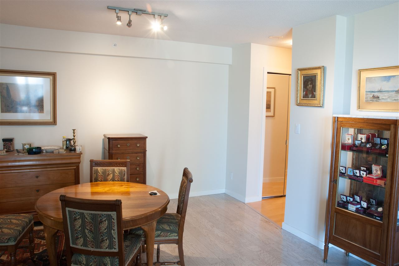 Condo Apartment at 604 1425 W 6TH AVENUE, Unit 604, Vancouver West, British Columbia. Image 6