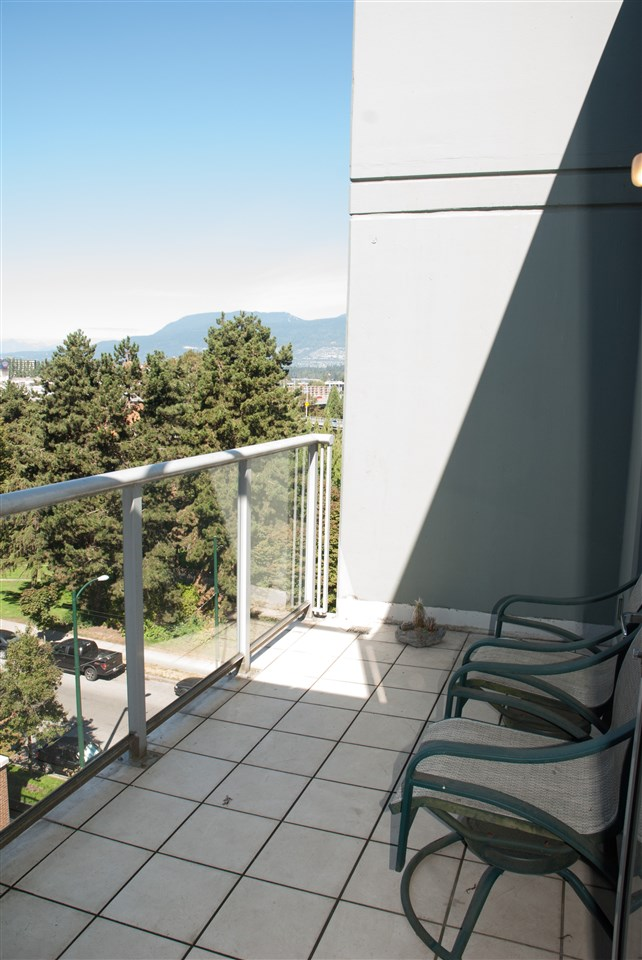 Condo Apartment at 604 1425 W 6TH AVENUE, Unit 604, Vancouver West, British Columbia. Image 11