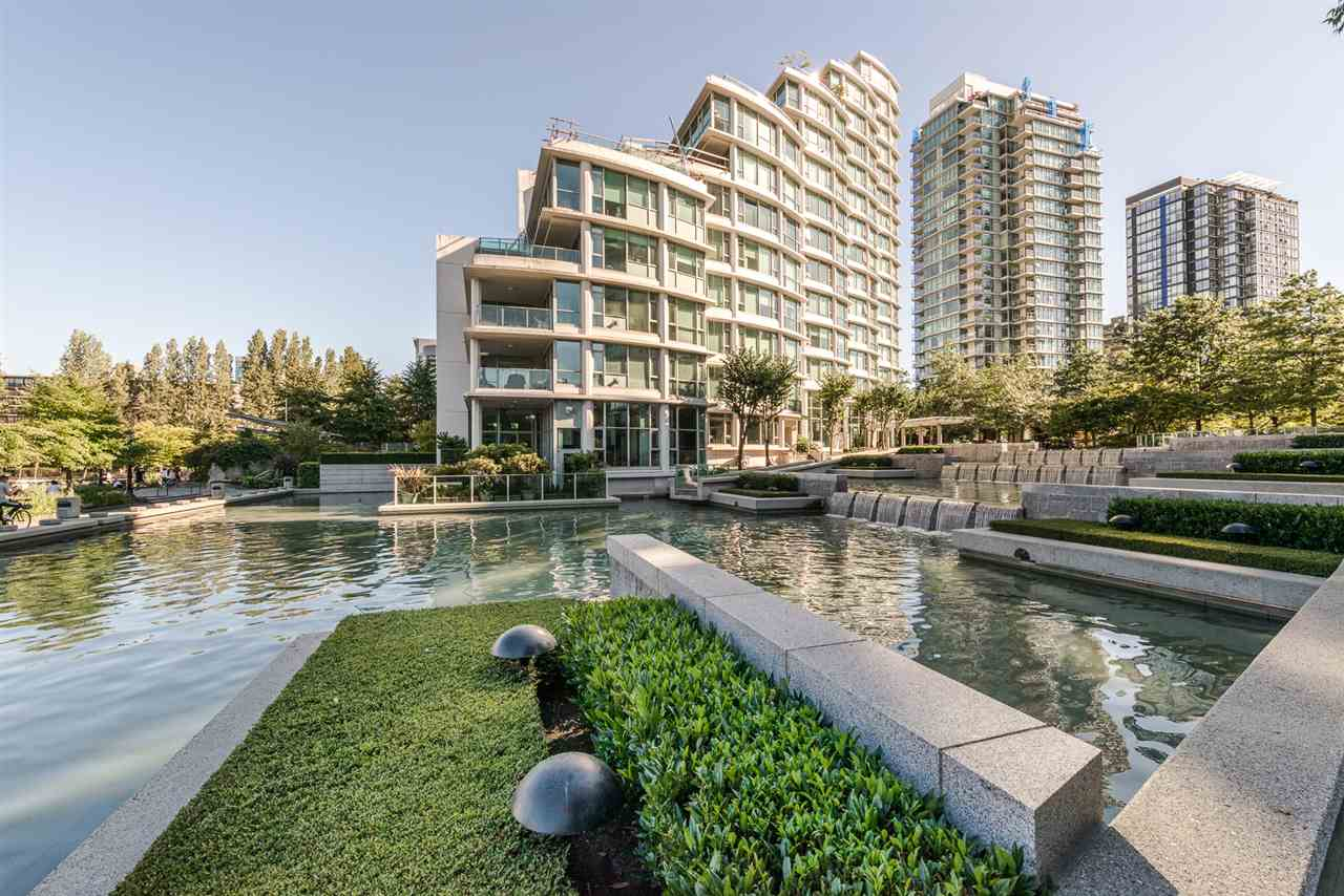 Condo Apartment at PH8 1717 BAYSHORE DRIVE, Unit PH8, Vancouver West, British Columbia. Image 3