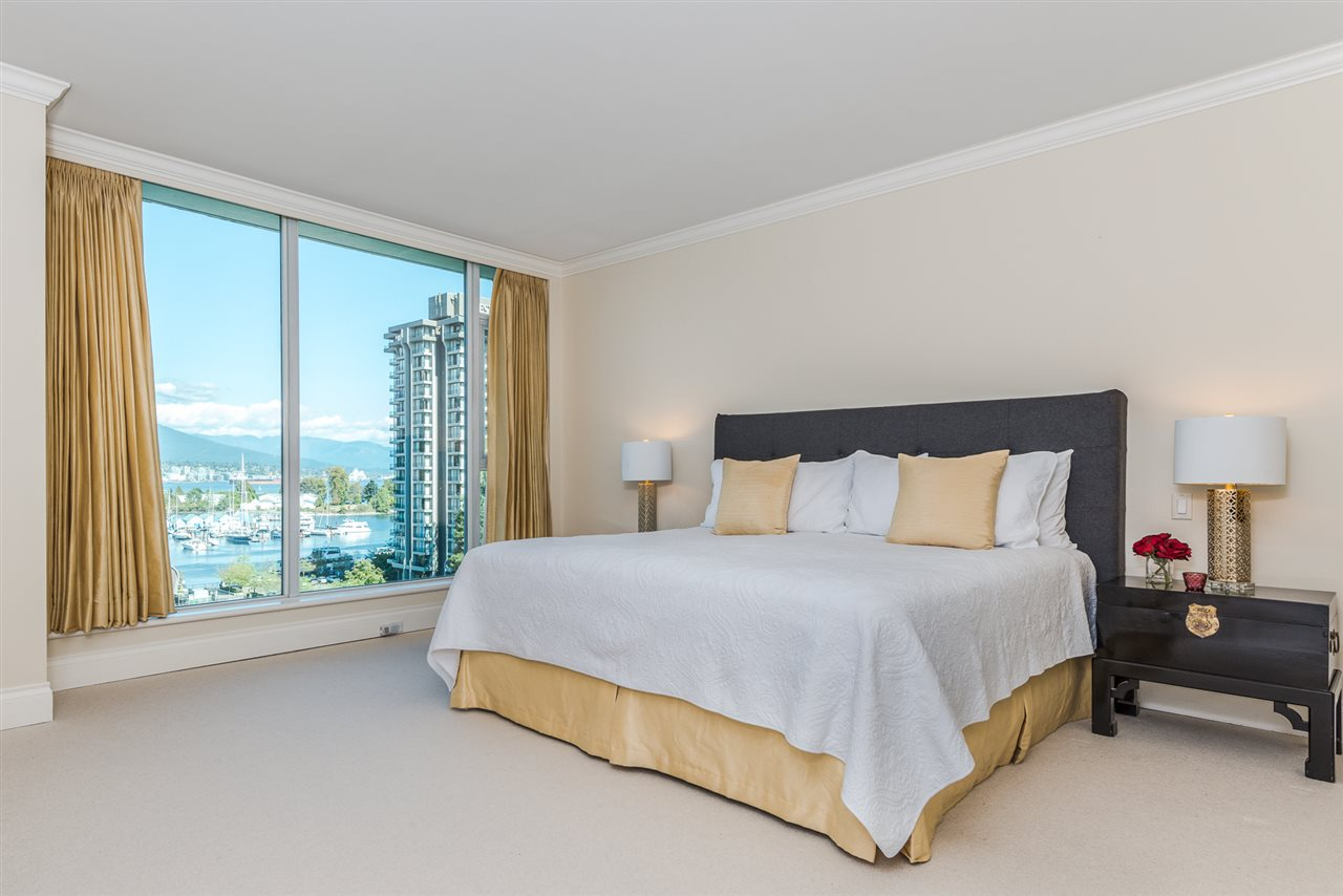 Condo Apartment at PH8 1717 BAYSHORE DRIVE, Unit PH8, Vancouver West, British Columbia. Image 18