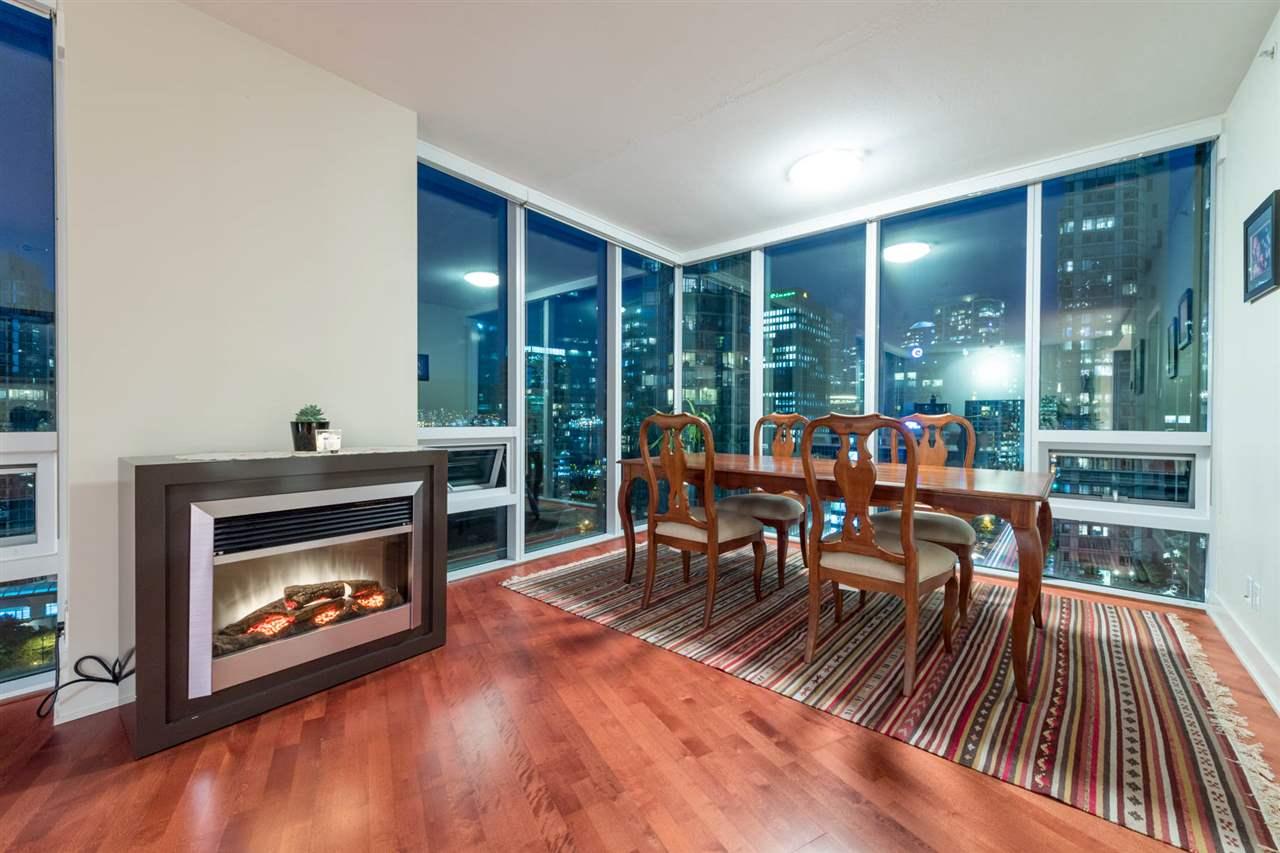 Condo Apartment at 1802 1277 MELVILLE STREET, Unit 1802, Vancouver West, British Columbia. Image 2