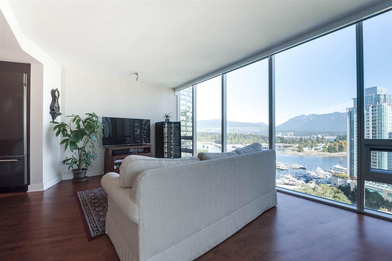 Condo Apartment at 1802 1277 MELVILLE STREET, Unit 1802, Vancouver West, British Columbia. Image 6