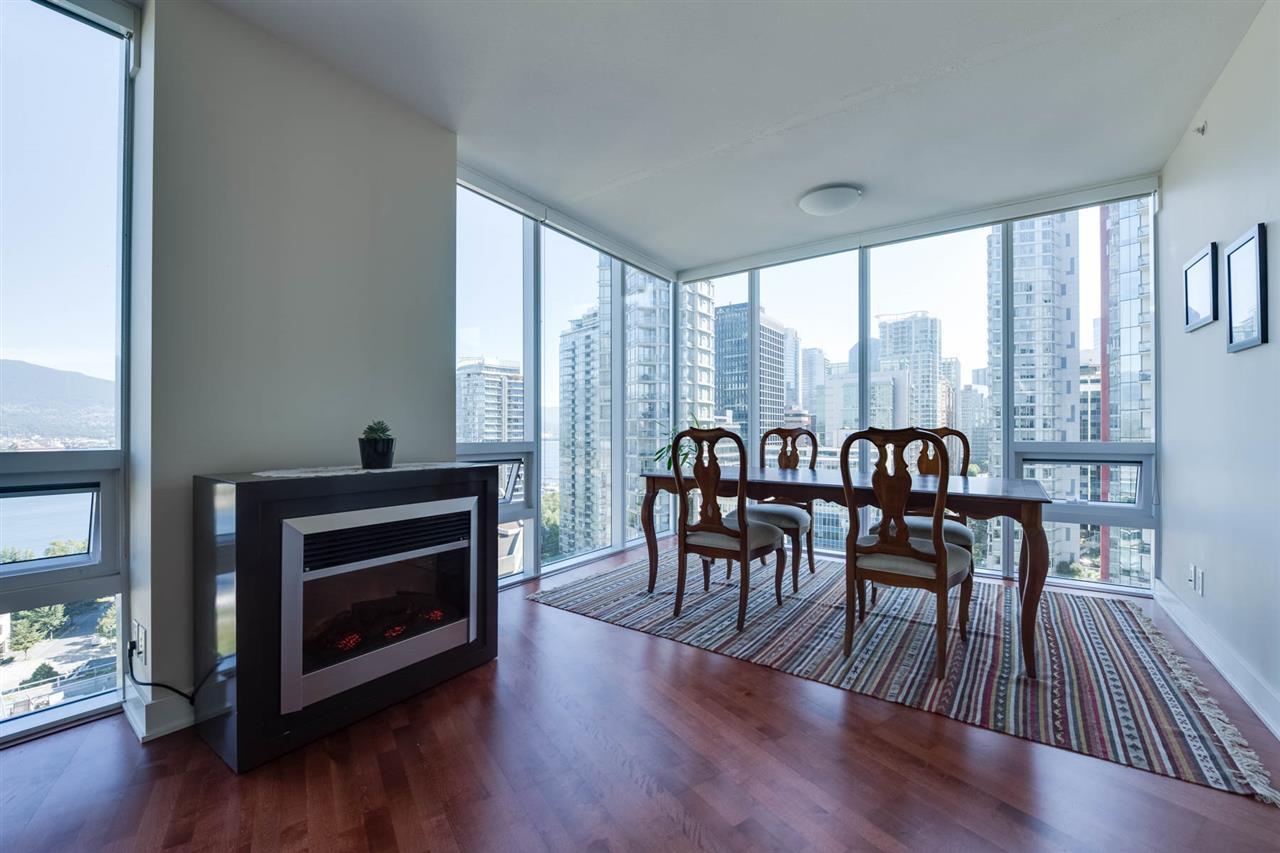Condo Apartment at 1802 1277 MELVILLE STREET, Unit 1802, Vancouver West, British Columbia. Image 7