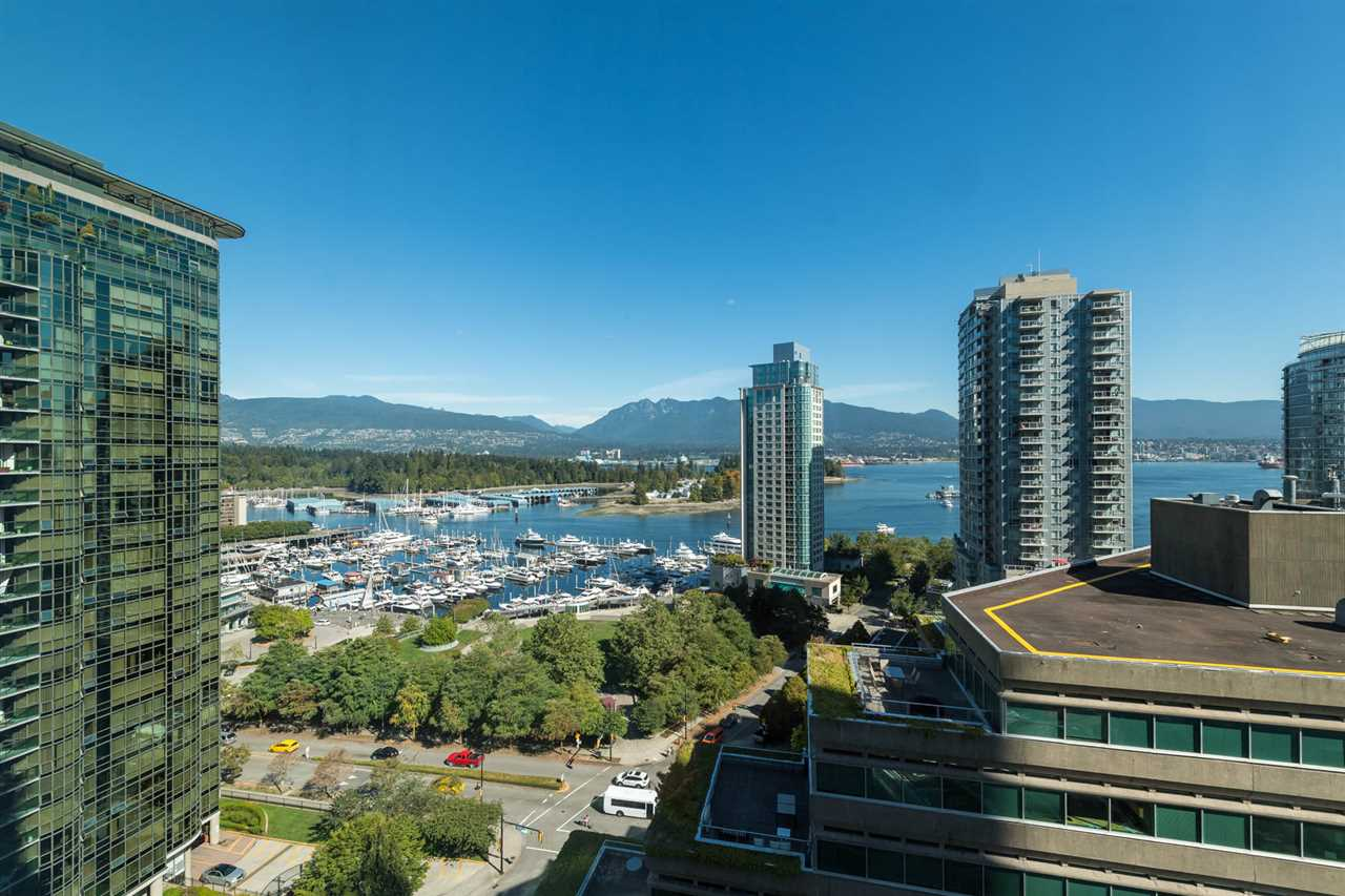 Condo Apartment at 1802 1277 MELVILLE STREET, Unit 1802, Vancouver West, British Columbia. Image 8