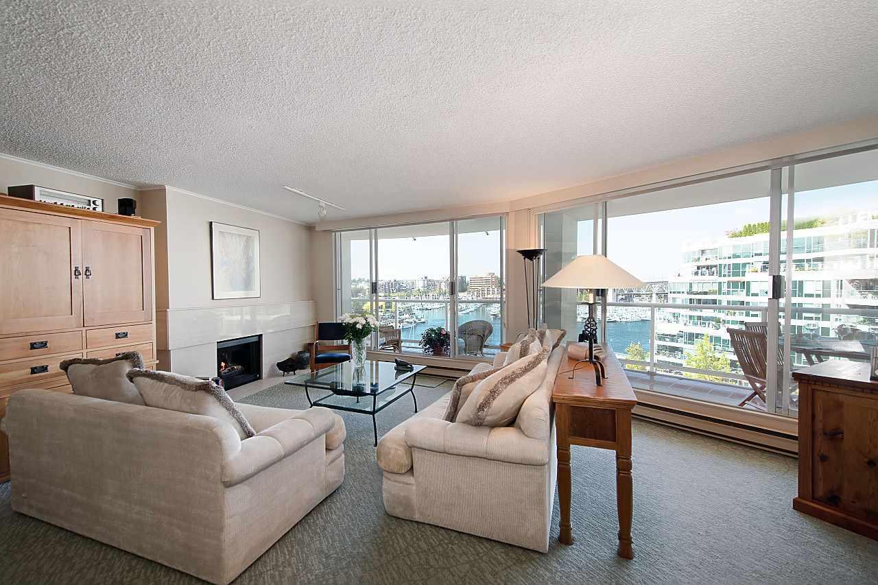 Condo Apartment at 801 1600 HOWE STREET, Unit 801, Vancouver West, British Columbia. Image 6