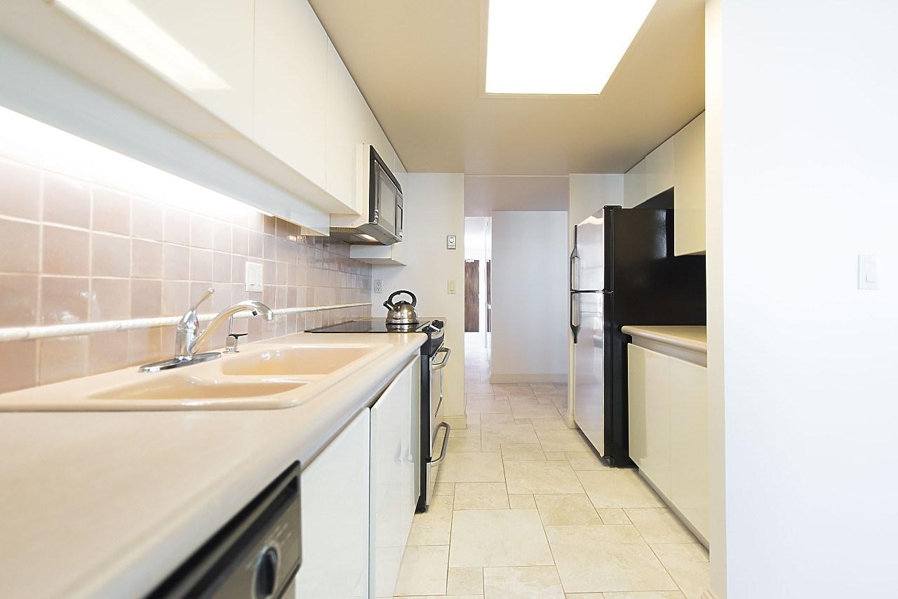 Condo Apartment at 801 1600 HOWE STREET, Unit 801, Vancouver West, British Columbia. Image 9