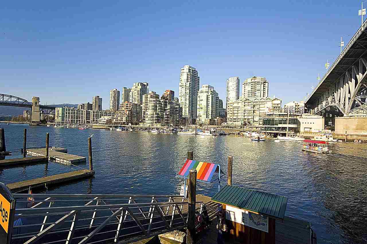 Condo Apartment at 801 1600 HOWE STREET, Unit 801, Vancouver West, British Columbia. Image 17