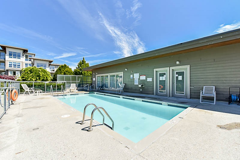 Condo Apartment at 128 15918 26 AVENUE, Unit 128, South Surrey White Rock, British Columbia. Image 10