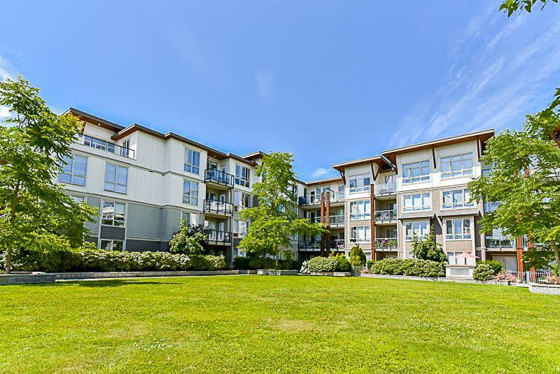 Condo Apartment at 128 15918 26 AVENUE, Unit 128, South Surrey White Rock, British Columbia. Image 11
