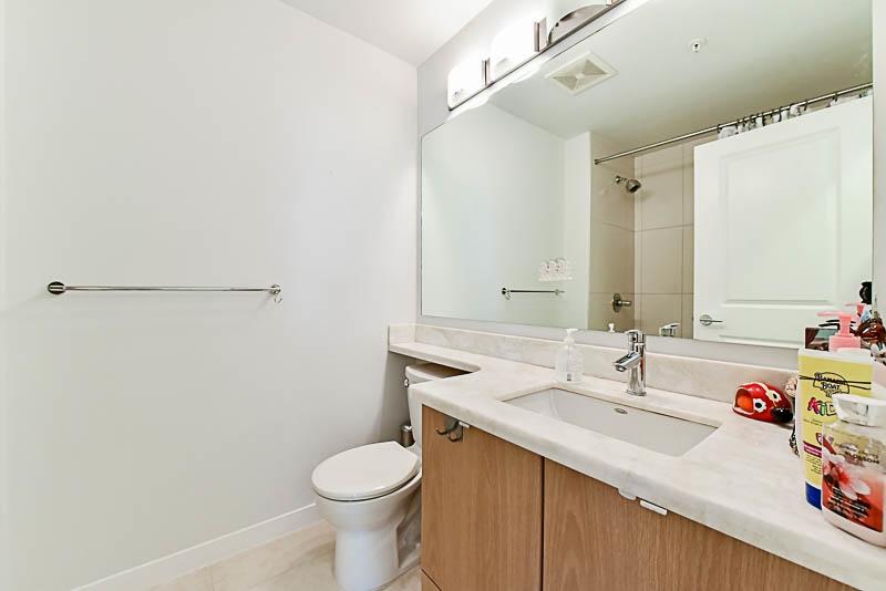 Condo Apartment at 128 15918 26 AVENUE, Unit 128, South Surrey White Rock, British Columbia. Image 19