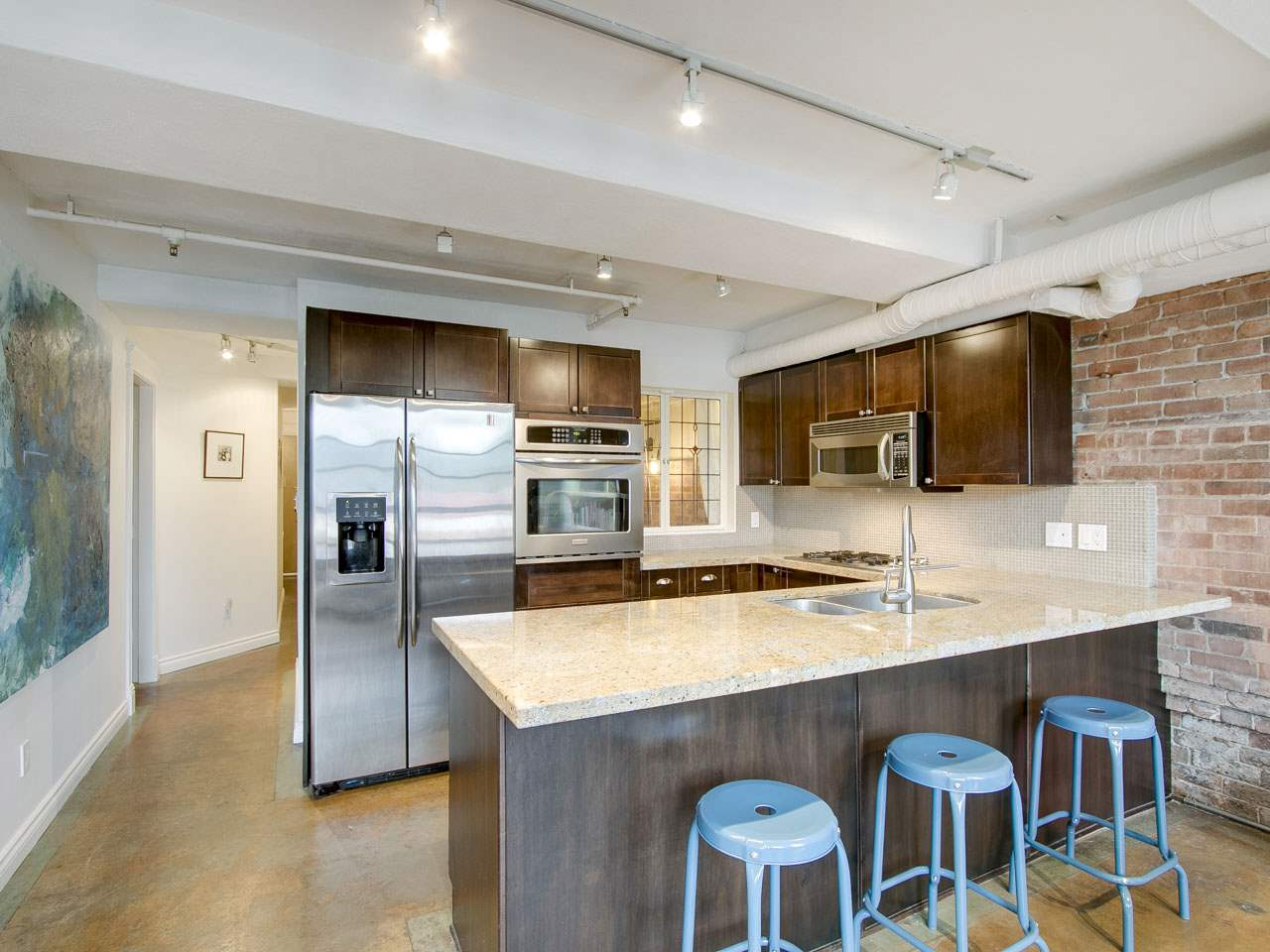 Condo Apartment at 201 27 ALEXANDER STREET, Unit 201, Vancouver East, British Columbia. Image 5