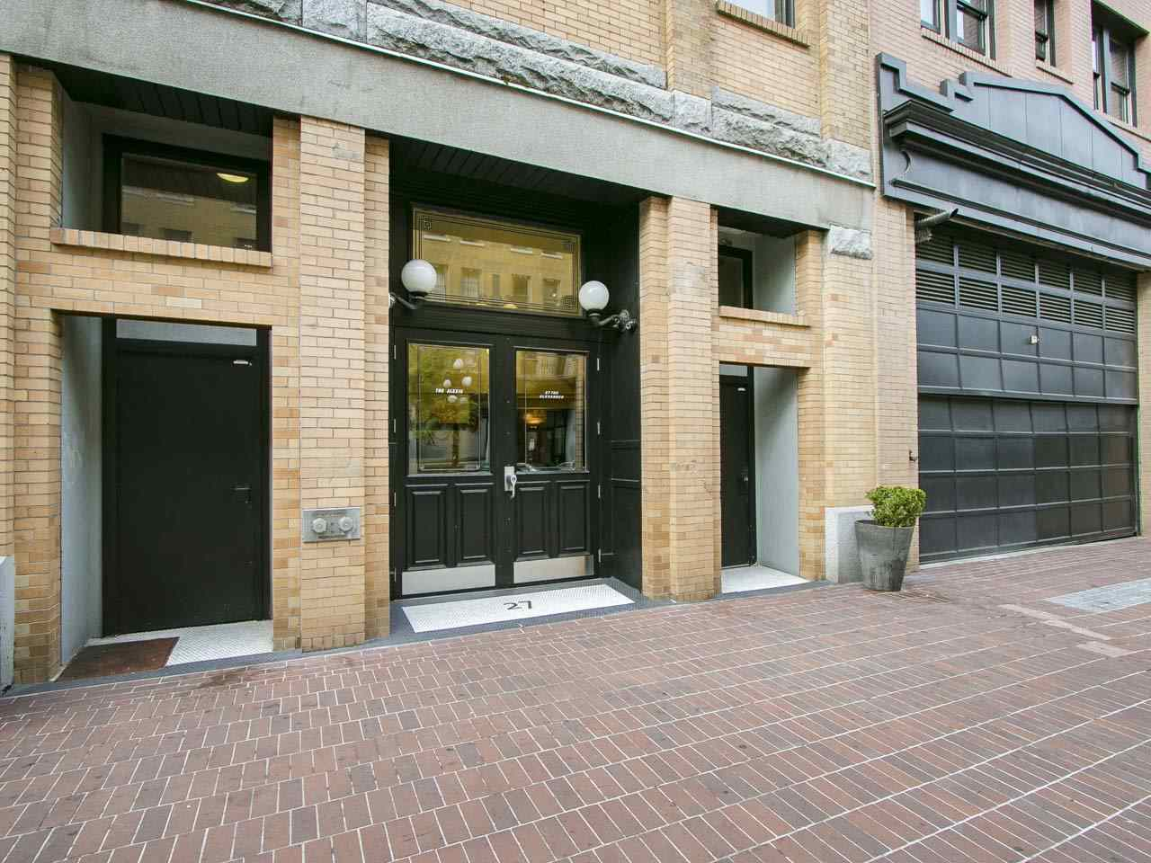 Condo Apartment at 201 27 ALEXANDER STREET, Unit 201, Vancouver East, British Columbia. Image 15