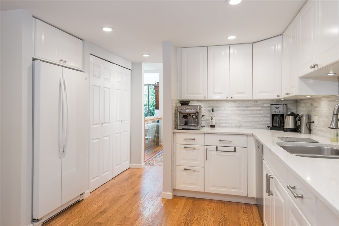 Townhouse at 12 4957 MARINE DRIVE, Unit 12, West Vancouver, British Columbia. Image 6