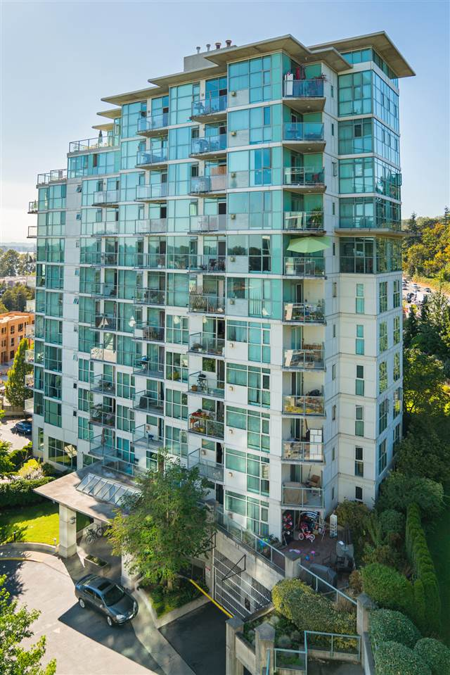 Condo Apartment at 901 2733 CHANDLERY PLACE, Unit 901, Vancouver East, British Columbia. Image 2
