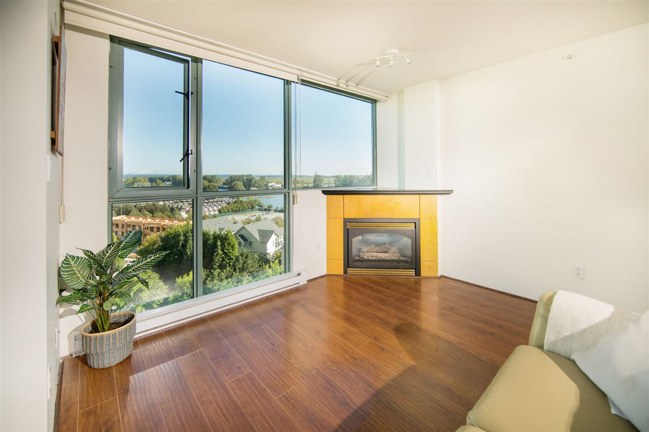 Condo Apartment at 901 2733 CHANDLERY PLACE, Unit 901, Vancouver East, British Columbia. Image 3