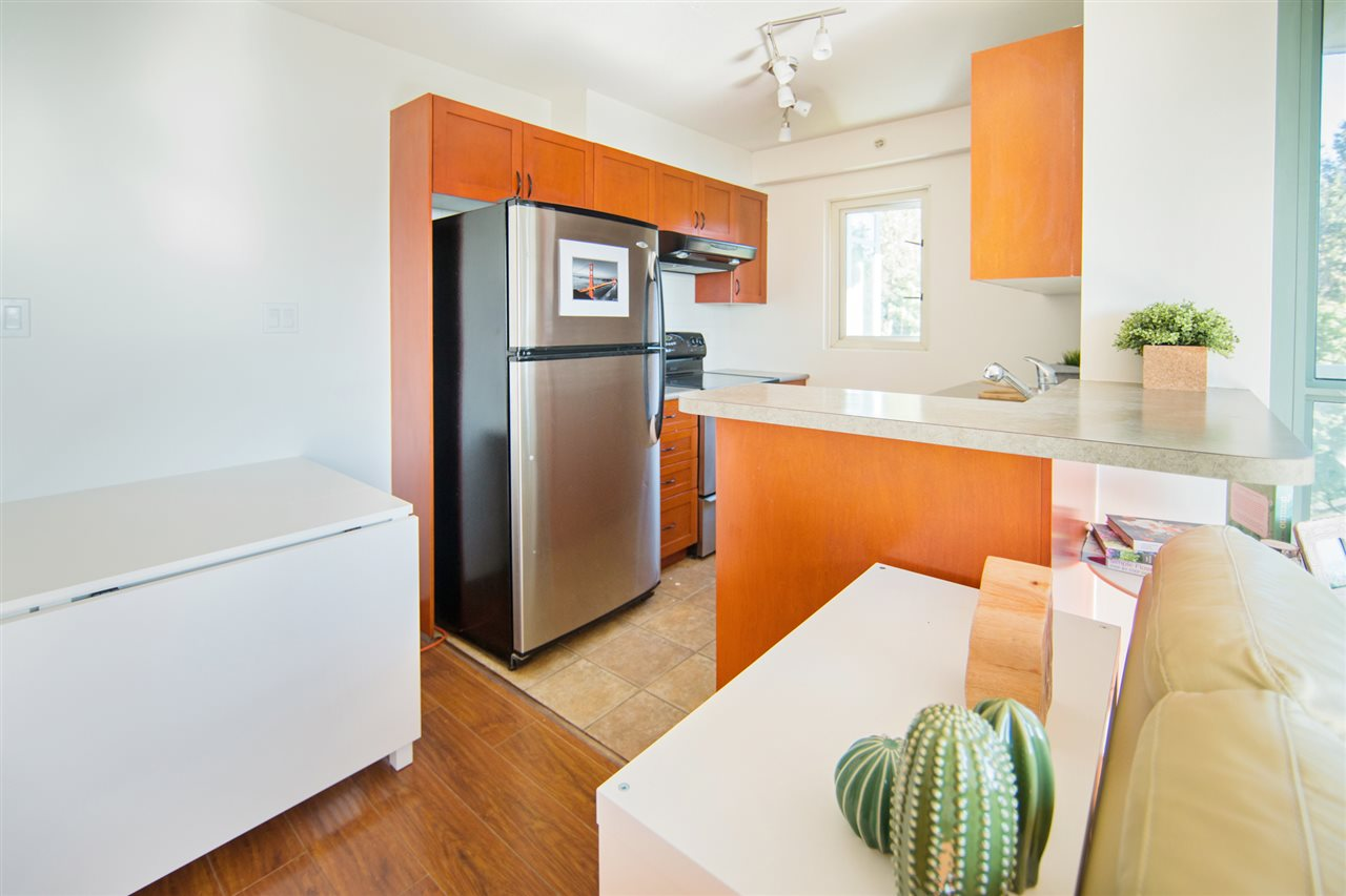 Condo Apartment at 901 2733 CHANDLERY PLACE, Unit 901, Vancouver East, British Columbia. Image 6